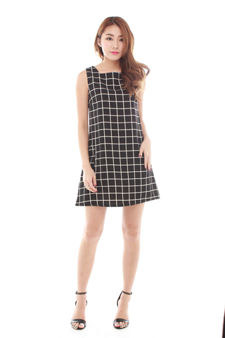 Finoa Grid Dress in Black