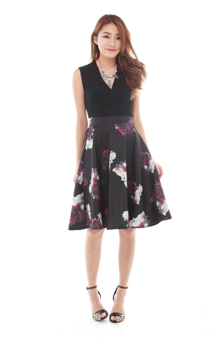 Ciel Midi Skirt in Black Roses
