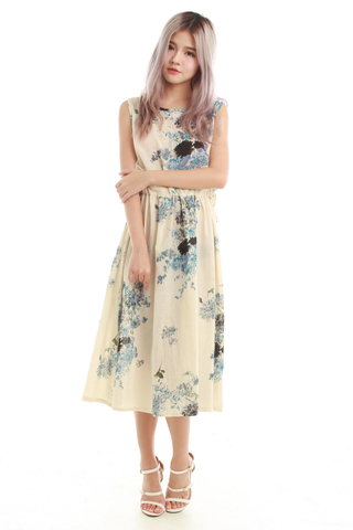 Kimmi Drawstring Midi Dress in Blue Floral
