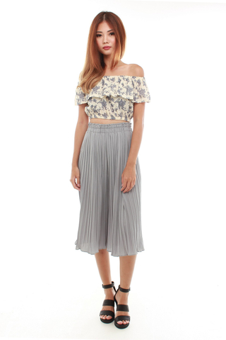 Daniz Off Shoulder Crop Top in Nude Floral
