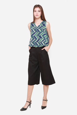 Hang Around Me Culottes in Black