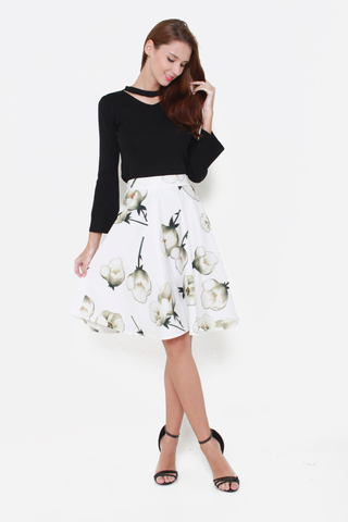 Grin and Flare Floral Skirt in White Tulips Print