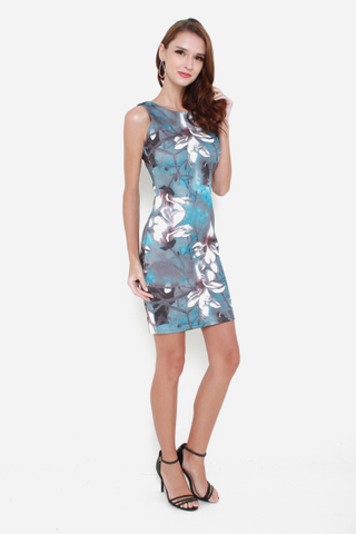 Feeling Bloom Sleeveless Bodycon Dress in Winter Print