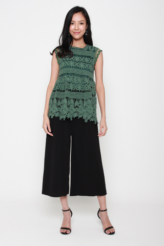 Coastal Point Longline Crochet Top in Moss