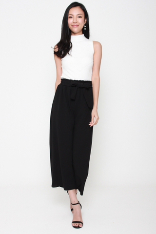 Getting on the Wide Side Culottes in Black