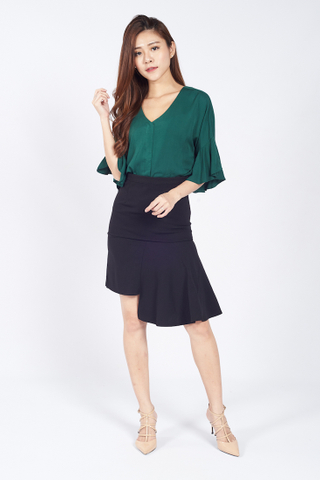 Jolee V-neck Flare Sleeve Top in Green