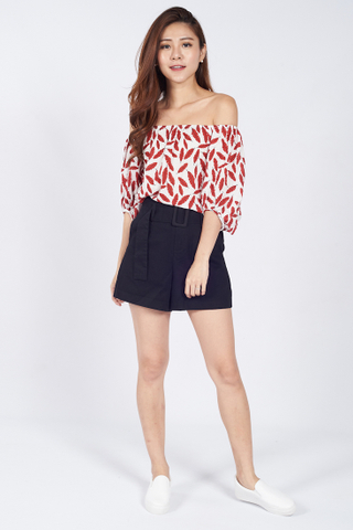 Summery Off Shoulder Top in Red
