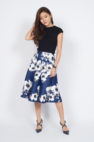 *Christmas Edition* Swing Skirt in Blue Floral