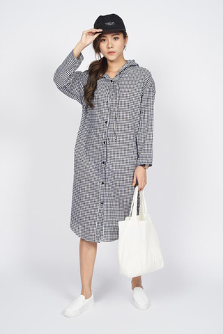 Oversize Button down Hoodie Shirt Dress in Black Checks