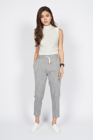 Drawstring Cropped Pants in Grey