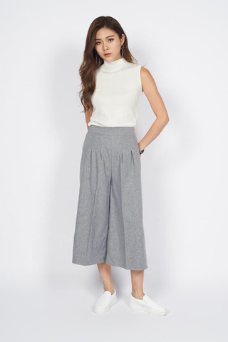 Cropped Tailored Pants in Grey